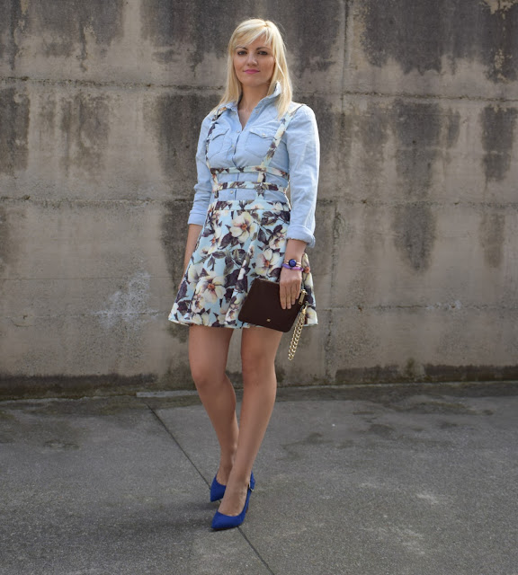 gonna ruota a fiori gonna a fiori con bretelle outfit aprile 2017 outfit primaverili  mariafelicia magno fashion blogger colorblock by felym fashion blog italiani fashion blogger italiane blog di moda