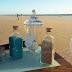 Elementos preparados para el ritual de la arena en una boda en la playa