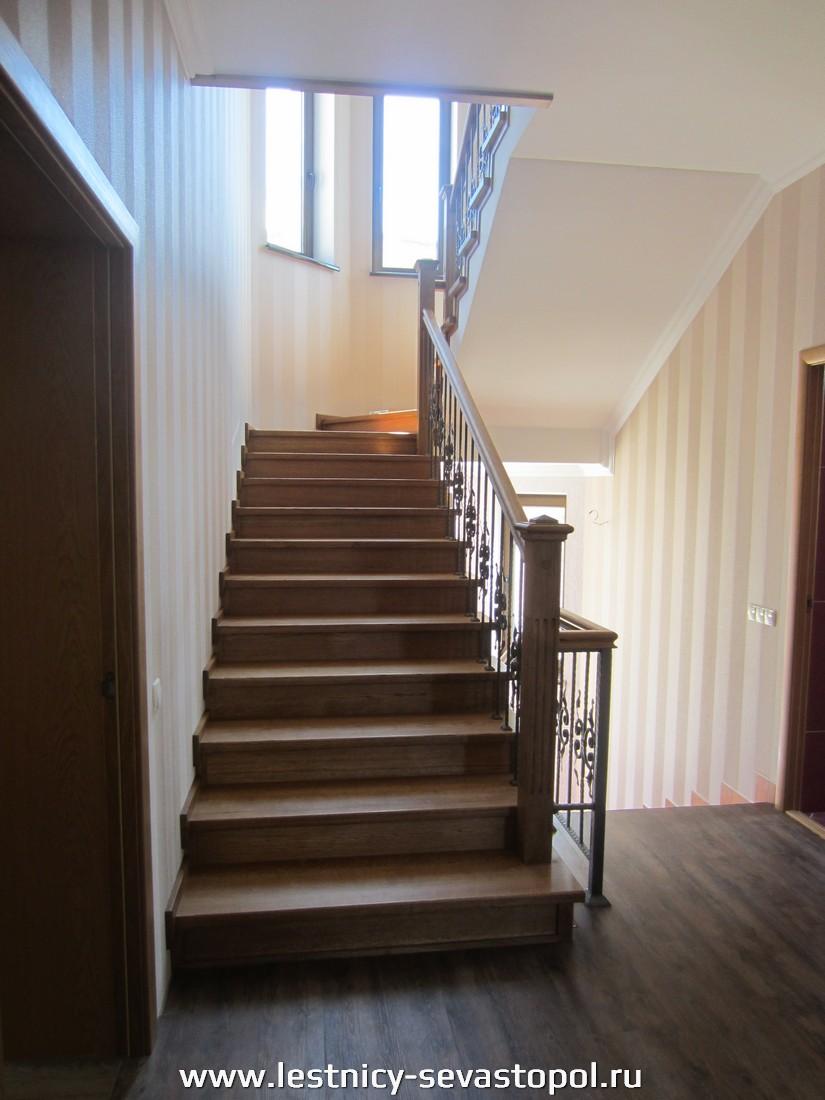 Стальной каркас лестницы
