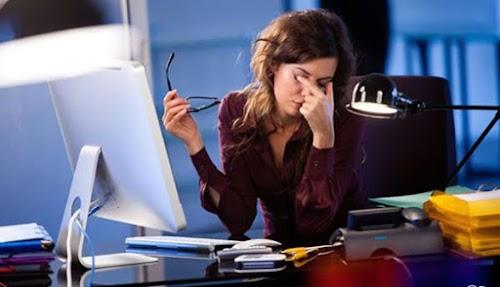 حماية العين من استخدام الحاسوب والموبايل لفترات طويلا