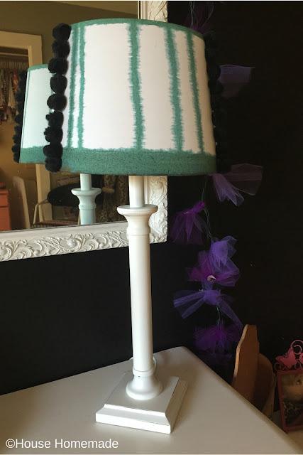 Dye lamp shade