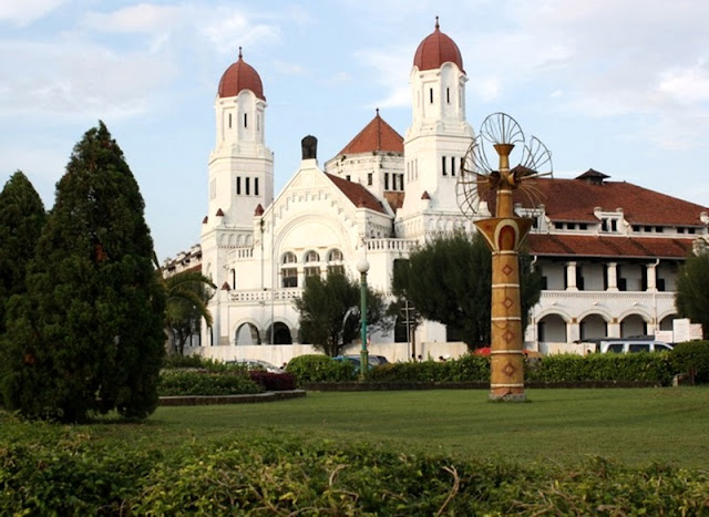 Wisata Lawang Sewu di Semarang