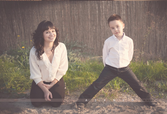 hermanos posando para el fotografo de niños