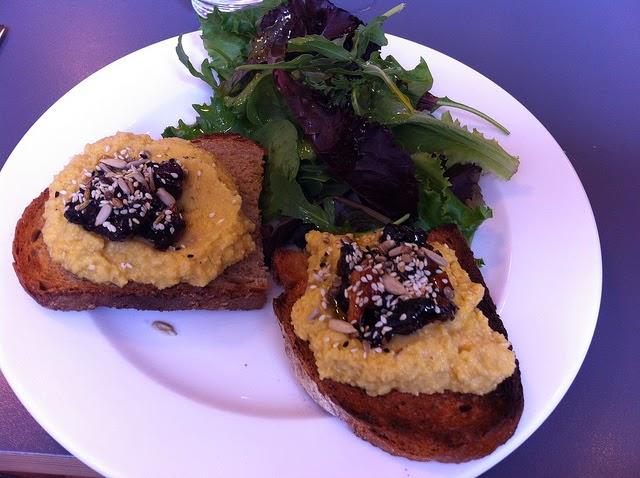 Street food cuisine du monde recette du houmous pic aux poivrons tahini et fromage feta - Houmous recette sans tahini ...