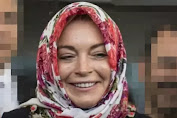 Lindsay Lohan Moving Religion, horrendous Cyberspace