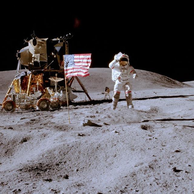 Astronaut Moon Apollo 11 space.filminspector.com