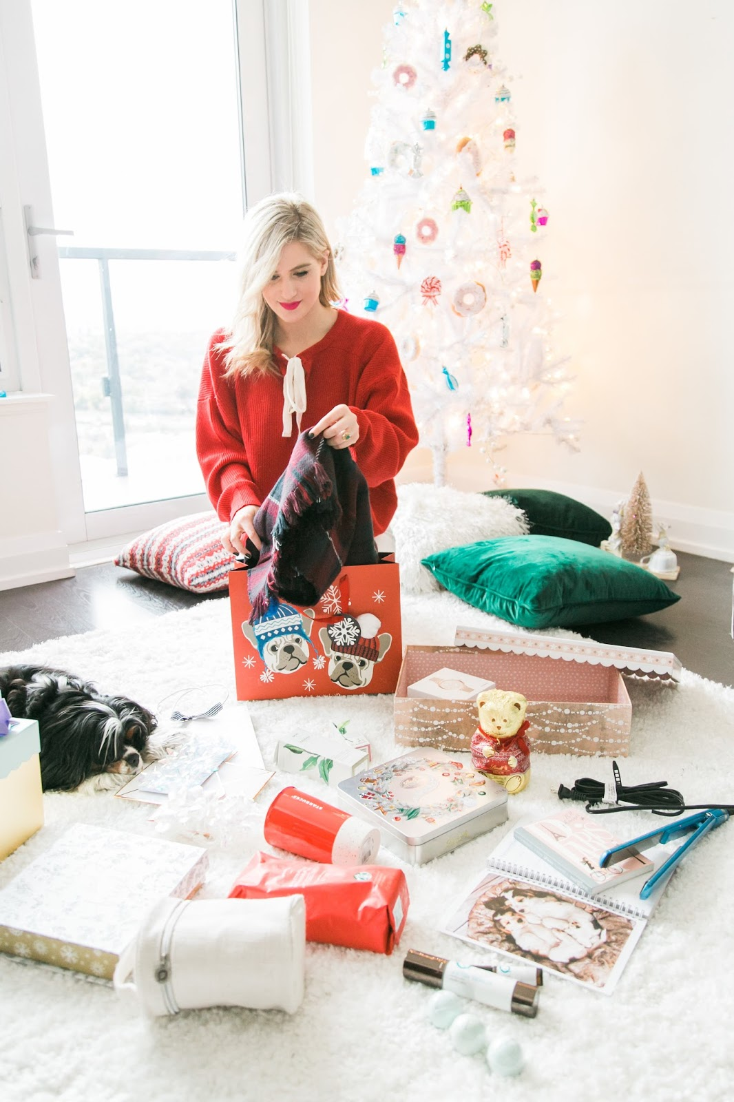Bijuleni - Holiday Gift Guide For Her With Holt Renfrew Centre - Gift wrapping