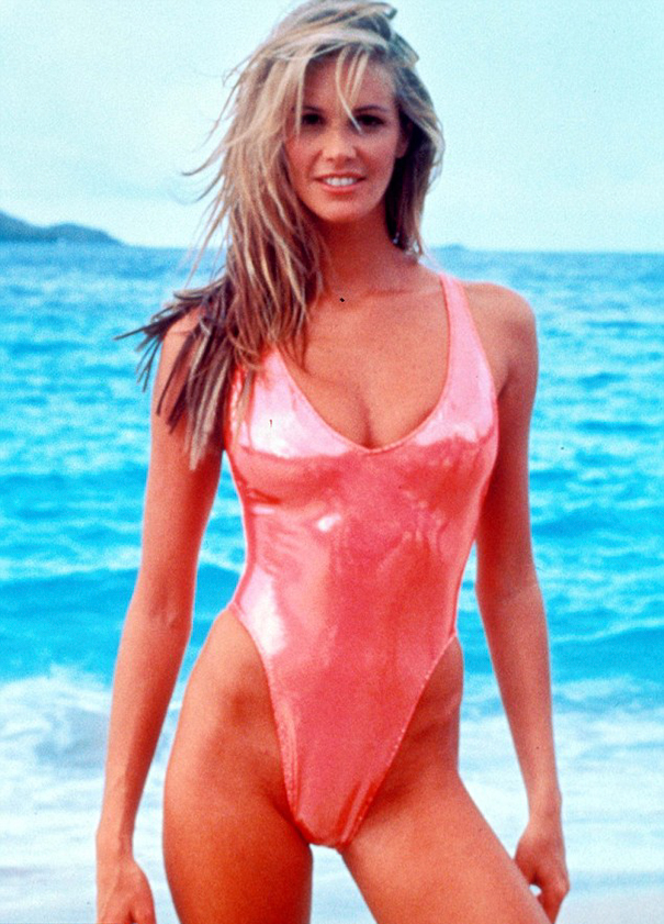 How The Female Body Standards Have Been Altered Over 100 Years - Elle MacPherson