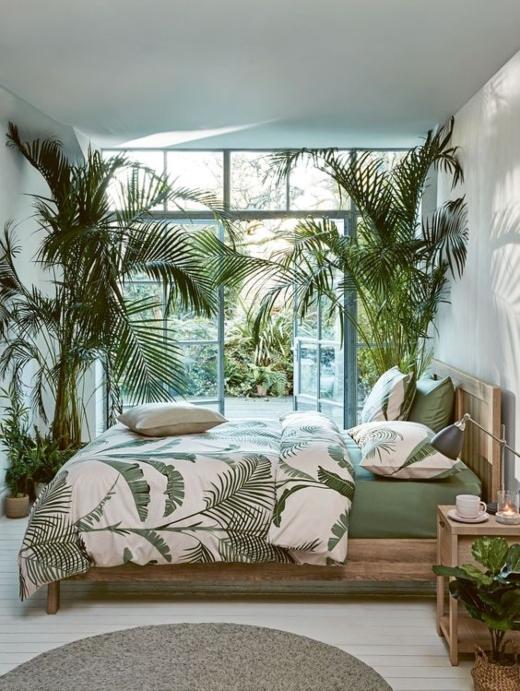 Tropical Island Palm Tree Bedroom Design Idea
