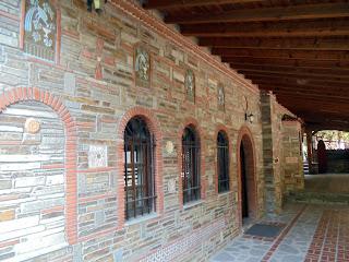 ναό του αγίου Ραφαήλ στο μοναστήρι της αγίας Παρασκευής στις Σέρρες
