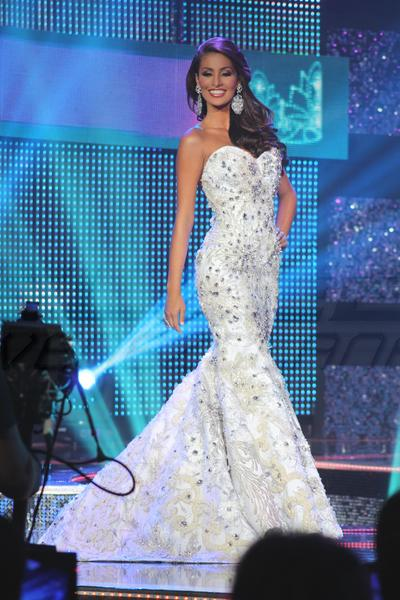 5e7fa42fb51f Hylene Baez Miss Amazonas--Hylene wore one of the best Mermaid-shaped gowns  of the Miss Venezuela Pageant--and of 2012. It was designed by Venezuelan  ...