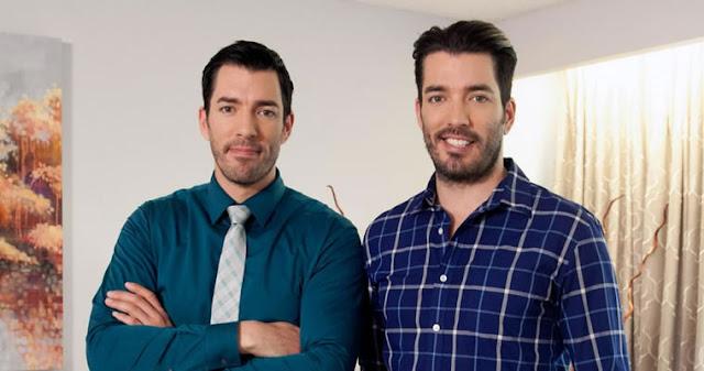 Hoje no blog estamos falando do programa Irmãos á Obra, um seriado de dois gêmeos que buscam a casa perfeita e reforma dando a casa dos sonhos para os compradores falo tudo sobre o Drew e Jonathan no blog.