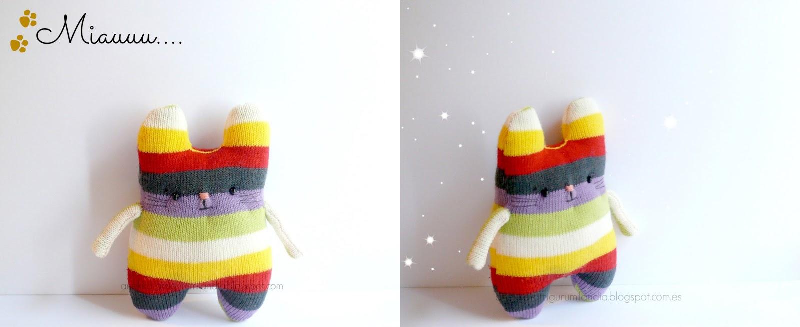 muñeco con calcetines colores
