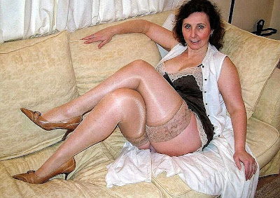 Pictures of older women and matures