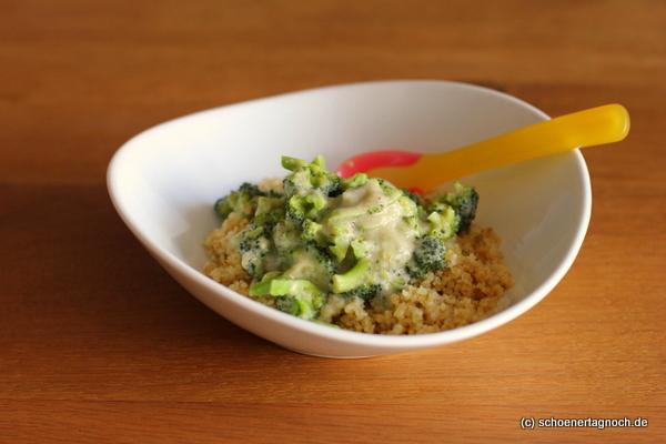 Essen für Kleinkinder: Bulgur mit Brokkoli und Frischkäsesauce