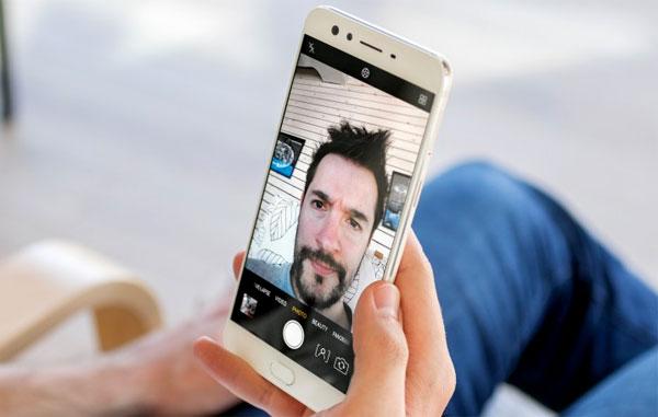 10 Smartphone Android Terbaik 2018 Buat Selfie