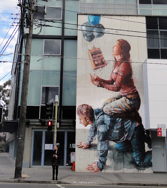 Freshly returned from Cozumel in Mexico, our friend Fintan Magee is already back at work on the streets of his hometown, Sydney in Australia.