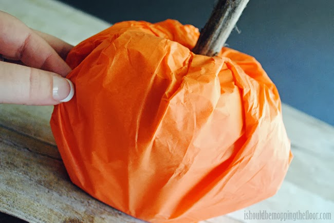 Toilet Paper Roll Pumpkins: these go together in five minutes and are the perfect last minute addition to your fall decor.