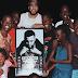 """French Montana dá festa na sua mansão para crianças ugandenses do clipe de """"Unforgettable"""""""
