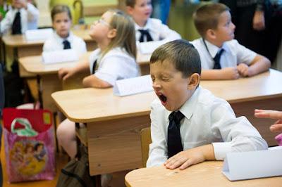 iskolakezdés, iskola, házi feladat, elbeszélés, oktatás, az oktatás világnapja