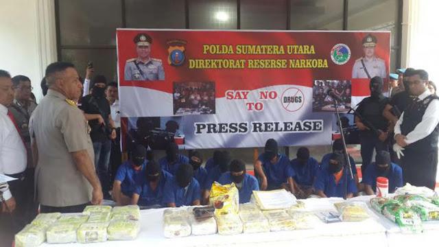 Kapoldasu memaparkan kasus sabu 38 kg yang menjerat personel Polres Tanjungbalai dan Kapolsek Nias Selatan