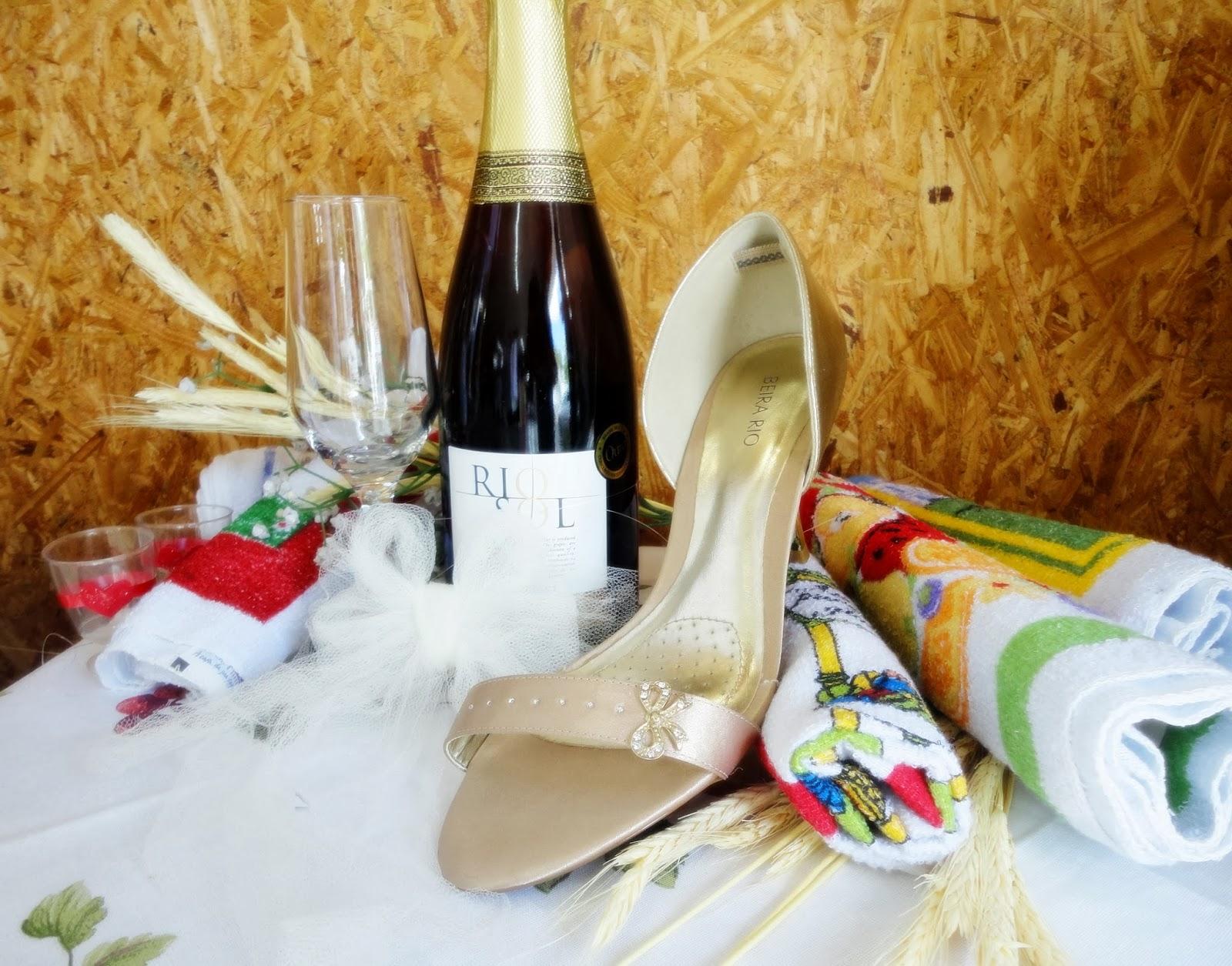 02032caed7 Lindos calçados para seu Réveillon.