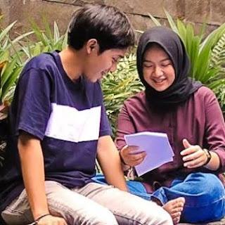 Lagu ini masih berupa single yang didistribusikan oleh label Seven Music Indonesia Lirik Lagu Bintan Radhita & Dandy Hendstyo - Sampai Akhir Waktu