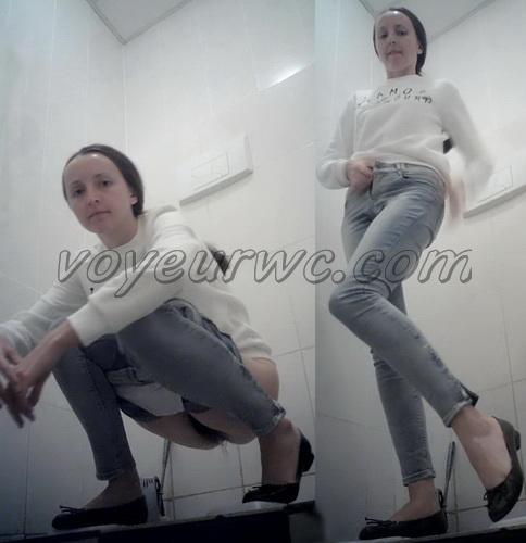 VB Piss 1696-1705 (Real women pee in toilet secret cam video)