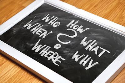Kita bertukar informasi dengan teman atau lawan bicara kita RUMUS PALING JITU UNTUK MENYUSUN WH QUESTIONS DALAM BENTUK SIMPLE PRESENT TENSE
