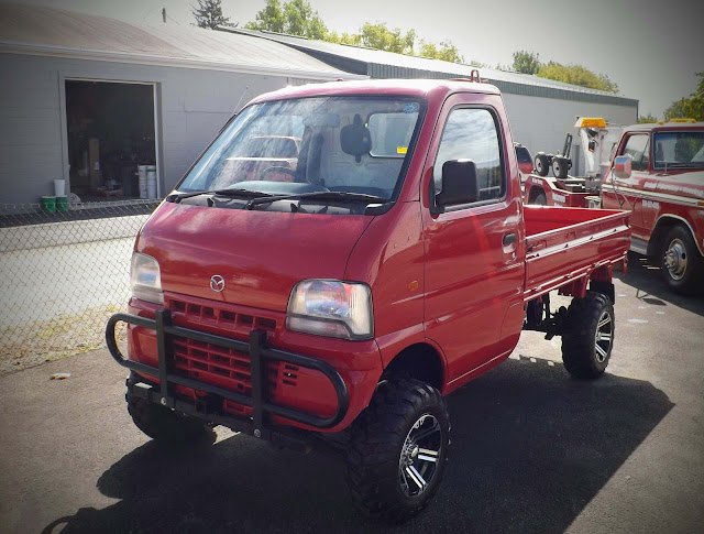 Hot on the Lot: Mazda Scrum Mini Truck, Metamora Herald