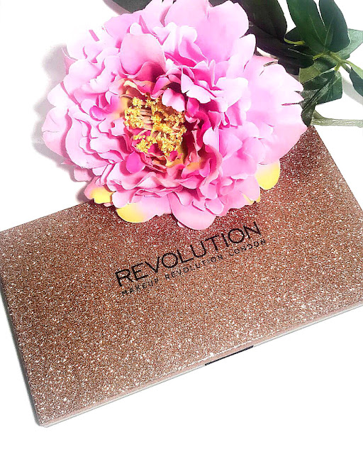 Notino Paleta de sombras Make Up Revolution