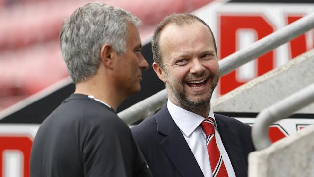 Suporter Manchester United berusaha mengumpulkan dana untuk membiayai pemecatan Jose Mourinho