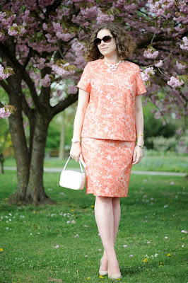 http://seaofteal.blogspot.de/2014/04/coral-lace.html