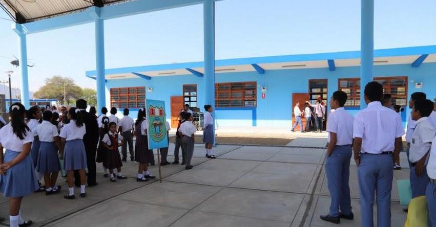 Transfieren recursos para reconstruir 18 colegios en Piura