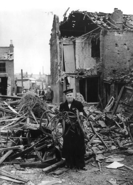 23 August 1940 worldwartwo.filminspector.com London bombing