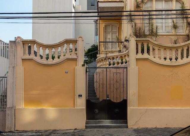 A casa de Augusto Stresser - portão de entrada