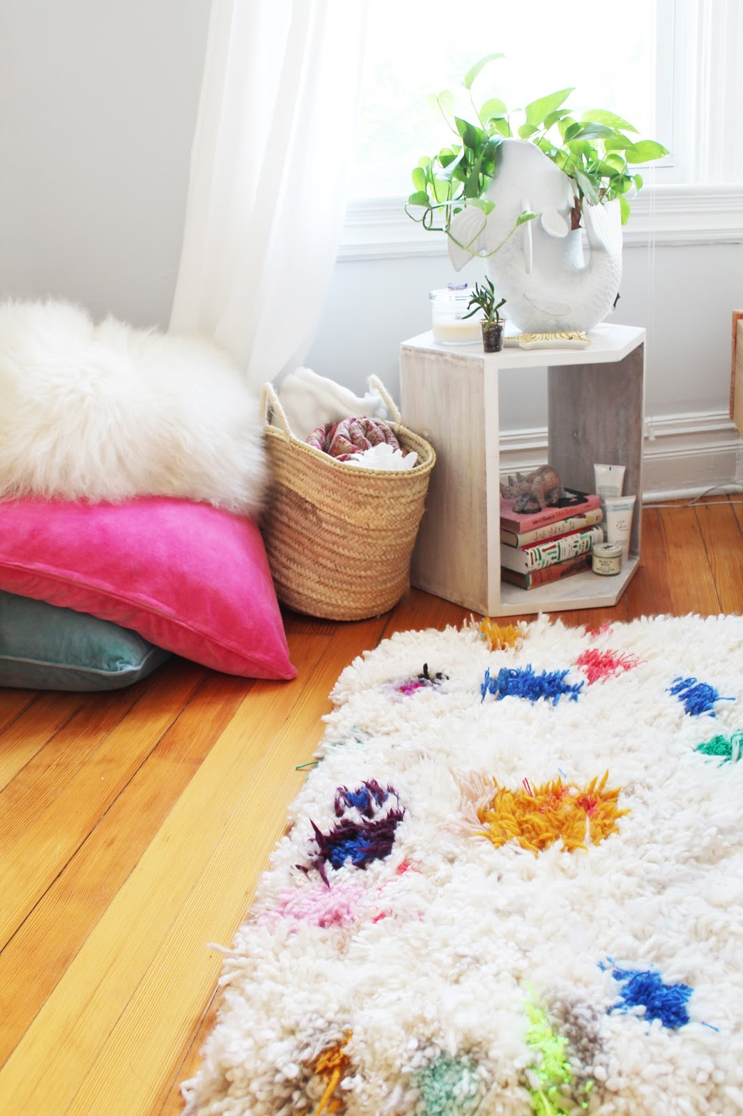 DIY Yarn Shag Rug by Lindsey Crafter