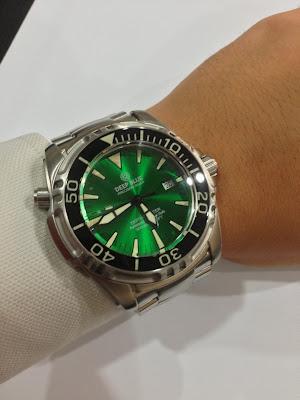http://westernwatch.blogspot.com/2013/11/deep-blue-depthmaster-3000m-green.html