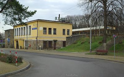 http://fotobabij.blogspot.com/2016/01/puawy-dworzec-kolejowy-od-ulpatyzantow.html