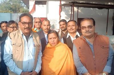 केंद्रीय मंत्री उमा भारती ने मोटे के महावीर मंदिर में की पूजा-अर्चना