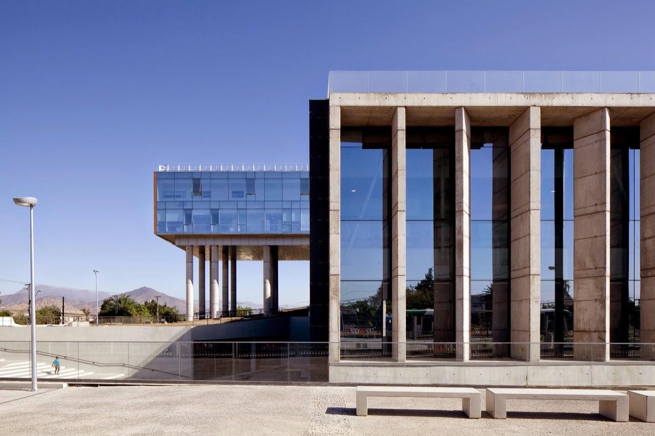 El vidrio de tvitec protagonista masivo del reportaje de for Plataforma de arquitectura