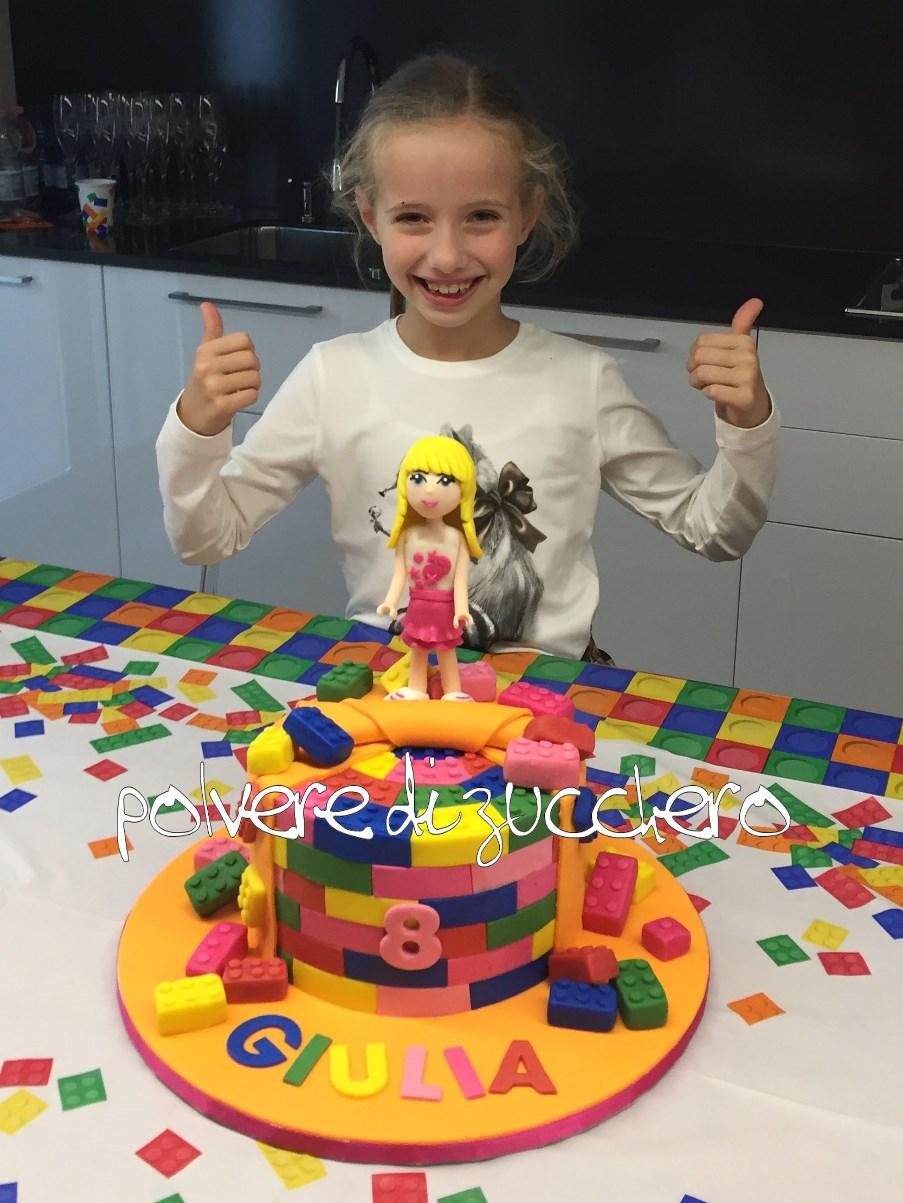 cake design torta decorata lego mattoncino lego friends stephanie pasta di zucchero polvere di zucchero