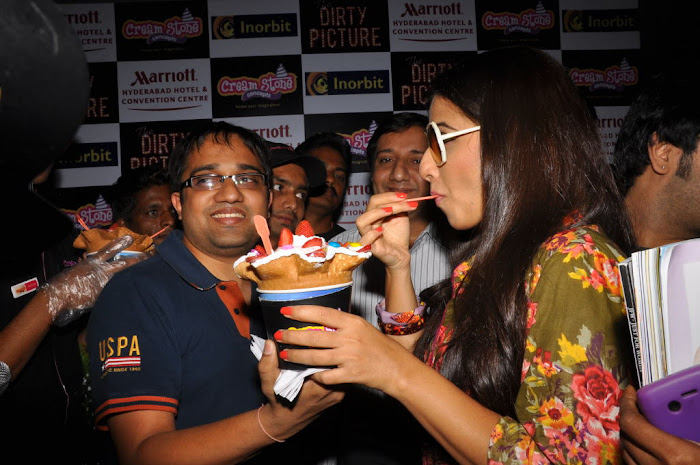 vidya balan new cream stone ice cream launch  unseen pics