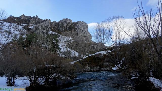 Travesía por la Sierra Mediodía desde Cármenes a Genicera (León), pasando por el Bodón de Canseco entre otros.