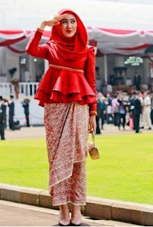 Model Kebaya Muslim Modern Simple Elegan Pusat Model