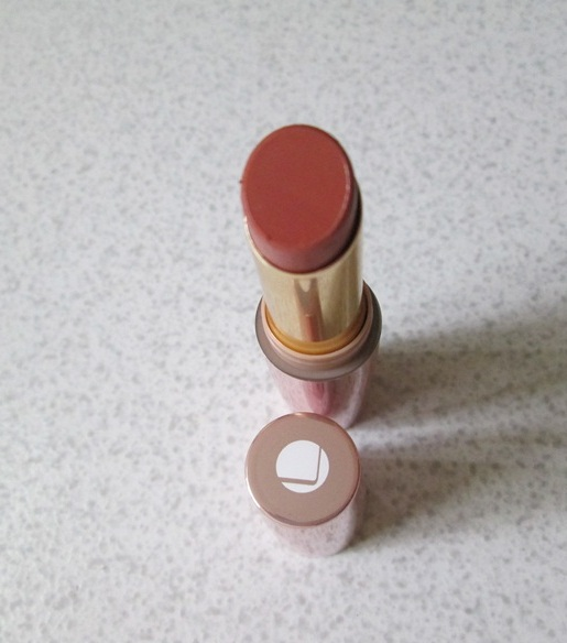 Lakme 9 to 5 Lip Color Oak Table Review, Swatches & LOTD