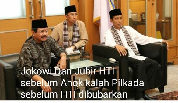 Jubir HTI Ungkap Cerita di Balik Foto Bareng Jokowi