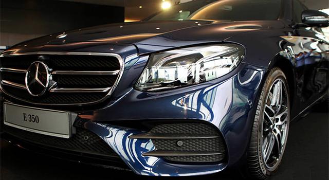 Mercedes E350 lộ diện mâm xe và chữ Logo E350