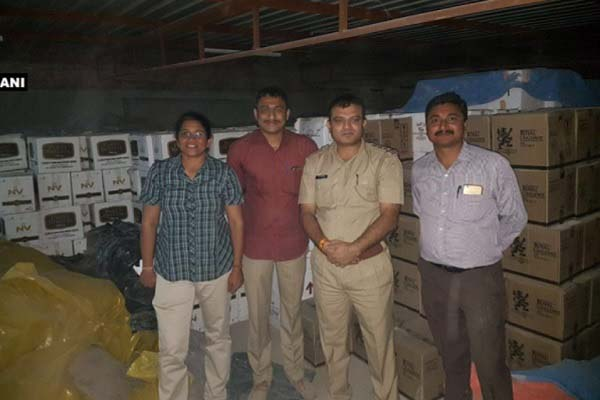 gujarat-police-ceased-rs-22088000-foreign-made-wine-before-election