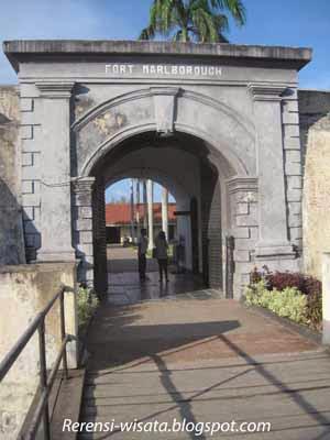 Wisata ke Kota Bengkulu Wajib ke Benteng Marlborough